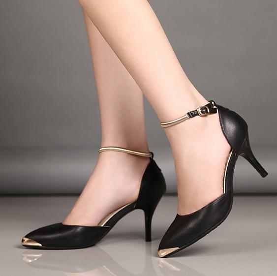 Kết quả hình ảnh cho giày bít gót nữ