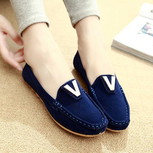 Giày cao gót công sở thời trang và duyên dáng